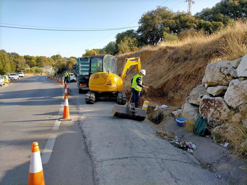 La Diputación de Málaga comienza la reparación de taludes en una de las carreteras de acceso a Arriate 3