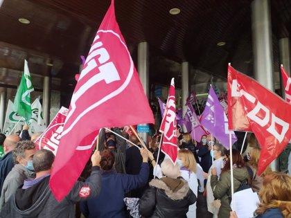 Sindicatos se manifiestan para pedir mayor estabilidad para trabajadores sanitarios y recursos contra la pandemia