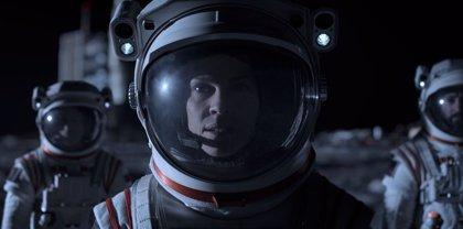 Netflix cancela 'Away': la serie espacial de Hilary Swank se queda sin 2ª temporada
