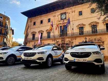 Policía Local de Palma recibe cinco vehículos y ya son 20 los coches patrulla nuevos que circulan por Palma