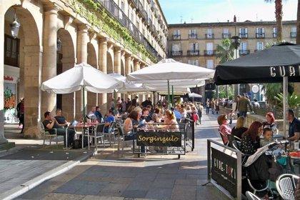 """La Fiscalía vasca """"no se opone"""" a la prohibición de los encuentros sociales de más de seis personas en Euskadi"""
