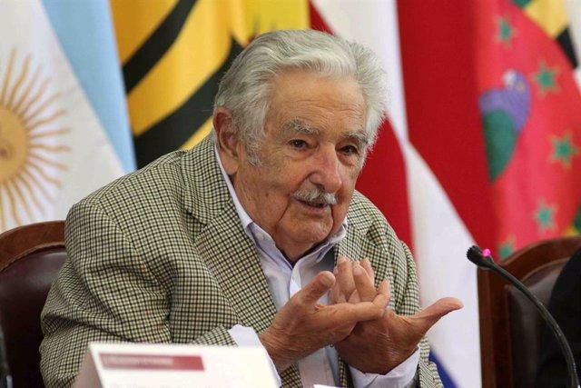 Uruguay.- Los expresidentes Mujica y Sanguinetti abandonan su escaño en el Senad