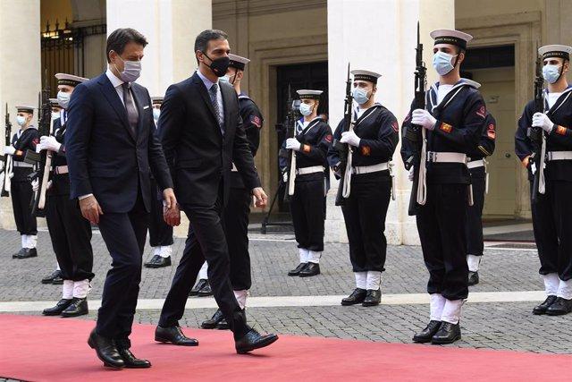 UE.- Sánchez busca sumar fuerzas con Italia para influir en debates europeos com
