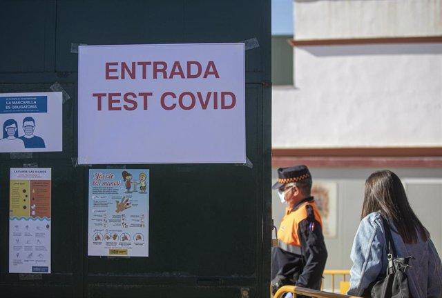 Cribado masivo de la detección del covid 19 en el municipio de Utrera, Sevilla (Andalucía, España), 15 de octubre del 2020.