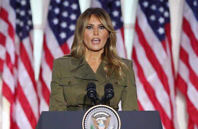"""EEUU.- Melania Trump cancela su aparición en un mitin de Trump porque sufre """"una"""