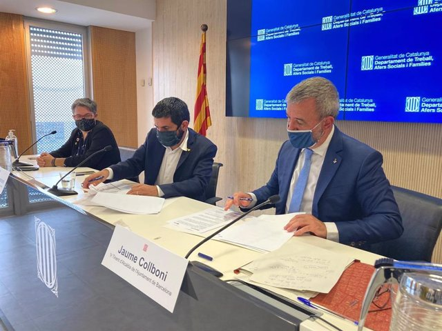 El Conseller De Treball, Assumptes Socials I Famílies De La Generalitat, Chakir  El Homrani, I El Primer Tinent D'Alcalde De Barcelona, Jaume Collboni.