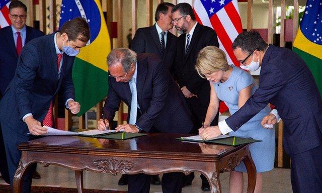Economía.- Estados Unidos y Brasil firman un acuerdo de 845 millones para reforz