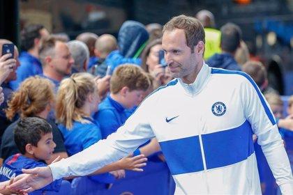 El Chelsea inscribe al exportero Petr Cech en la Premier League