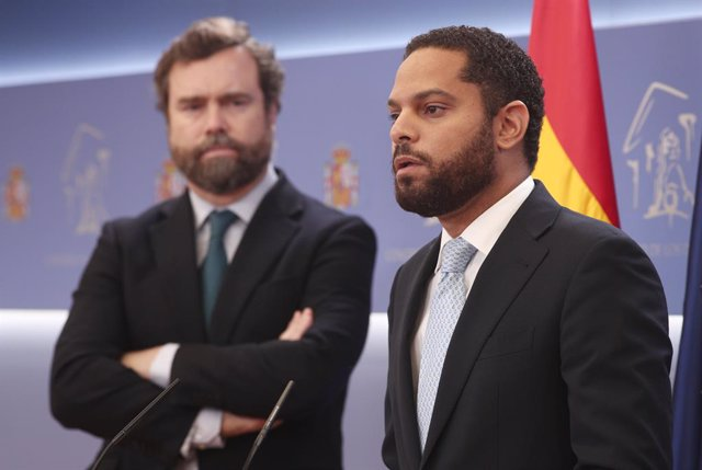 El diputat de Vox, Ignacio Garriga, intervé durant la roda de premsa posterior al registre d'una moció de censura contra Pedro Sánchez al Congrés dels Diputats. A Madrid, (Espanya), a 29 de setembre de 2020. Abascal, que ha decidit regis