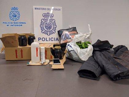 La Policía Nacional sorprende 'in fraganti' a un hombre de 34 años robando en un vehículo en Logroño