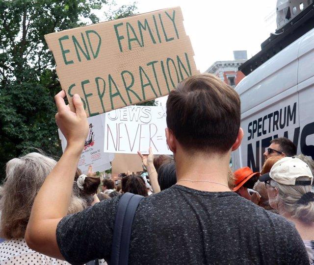EEUU.- Estados Unidos no localiza a los padres de casi 550 niños separados en la