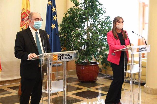 Javier Lambán y Sira Repollés en la rueda de prensa de este jueves.