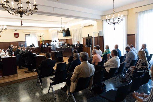 Primera sesión de la vista oral del juicio por las ayudas concedidas a la empresa Aceitunas y Conservas (Acyco)