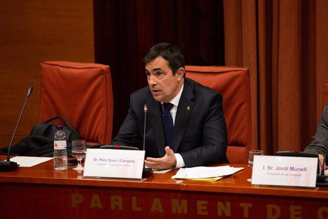 L'exdirector dels Mossos d'Esquadra, Pere Soler, compareix al Parlament de Catalunya en la Comissió d'Investigació sobre els atemptats gihadistes del 17 i 18 d'agost del 2017 a Barcelona i Cambrils.