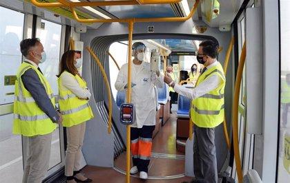 Los controles periódicos para la detección de trazas de Covid-19 confirman la seguridad del tranvía de Murcia