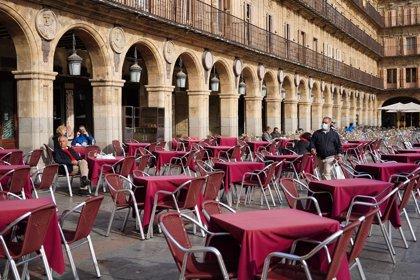 Bares y restaurantes aglutinan el 3,5% de los casos de Covid-19 desde mayo y el 0,7% de la última semana