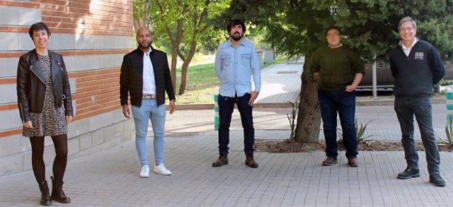 De izquierda a derecha, Ana Rivera-Barahona, Jair Tenorio, Adrián Palencia-Campos, Víctor Luis Ruiz y Pablo Lapunzina, autores del estudio
