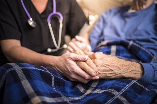 Cuidados paliativos, enfermera.