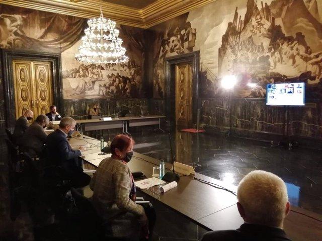 El teniente de alcalde, Jaume Collboni, se ha reunido este miércoles de forma presencial y virtual con una treintena de organismos, entre los que había agentes económicos, sociales, entidades del tercer sector y del tejido económico e universitario.