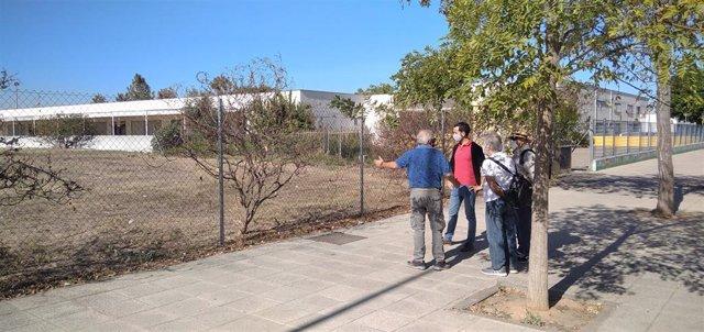 Daniel González Rojas ha visitado el solar, junto al CEIP Marie Curie en Los Bermejales