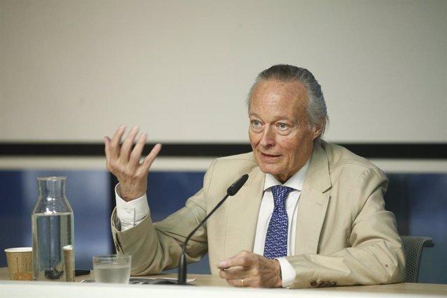 """Josep Piqué ve """"fundamental"""" reorientar el turismo hacia un viajero con mayor po"""