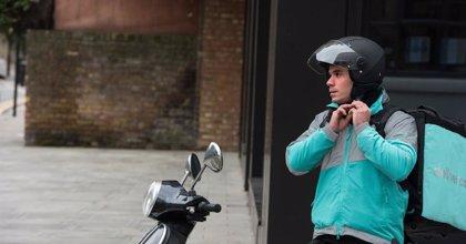 Gobierno y agentes sociales acuerdan que la ley de 'riders' no se ciña solo a este colectivo