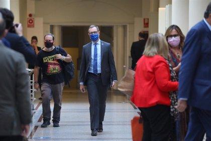 """Maroto (PP) denuncia el """"tradicional acoso"""" de Podemos a la senadora que le """"cantó las 40"""" a Irene Montero"""