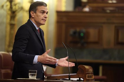 """Sánchez pide a Casado que """"corte con la ultraderecha"""" y vote 'no' a la moción de Vox"""