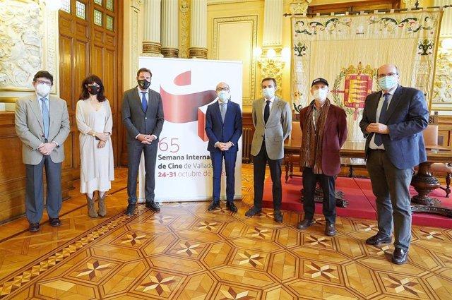 Acto de firma del convenio entre Ayuntamiento de Valladolid y Junta de Castilla y León.