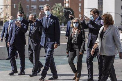 """El Rey, arropado por los empresarios, alaba el papel de las empresas en la pandemia: """"Os necesitamos"""""""