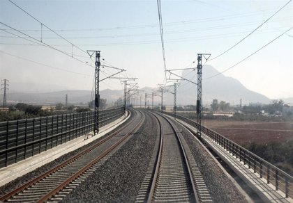 Renfe pone en servicio el martes el tramo de AVE Zamora-Pedralba e incrementa los precios en una media del 5%