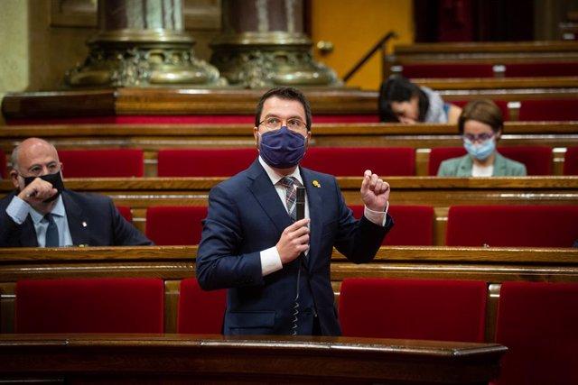 El vicepresident en funcions de president de la Generalitat, Pere Aragonès, durant la sessió de control al Parlament. Barcelona, Catalunya, (Espanya), 7 d'octubre.