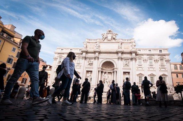 Coronavirus.- Italia bate récord y suma más de 15.000 contagios por coronavirus