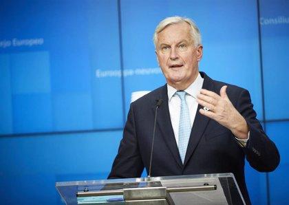 Reino Unido acepta retomar la negociación con la UE y recibirá el jueves a Barnier en Londres