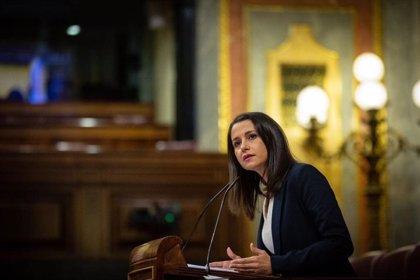 """Arrimadas rechaza la moción de Vox porque """"la indignación y el cabreo"""" no son """"un proyecto político"""""""