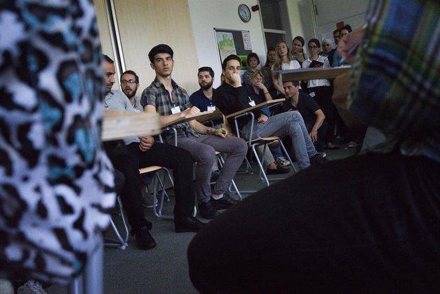 Alemania.- La Policía alemana libera a ocho refugiados encerrados en un contened