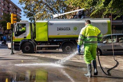 El Ayuntamiento de Zaragoza prosigue su plan de limpieza integral en distritos y llega a la zona Centro