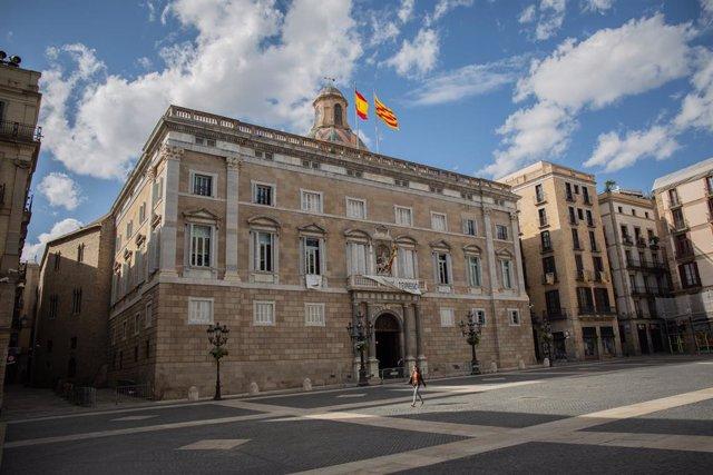 Façana del Palau de la Generalitat mentre la ciutat continua en la fase zero de la desescalada en la novena setmana de l'estat d'alarma decretat pel Govern per la pandèmia del Covid-19, a Barcelona/Catalunya (Espanya) a 12 de maig de 2020.