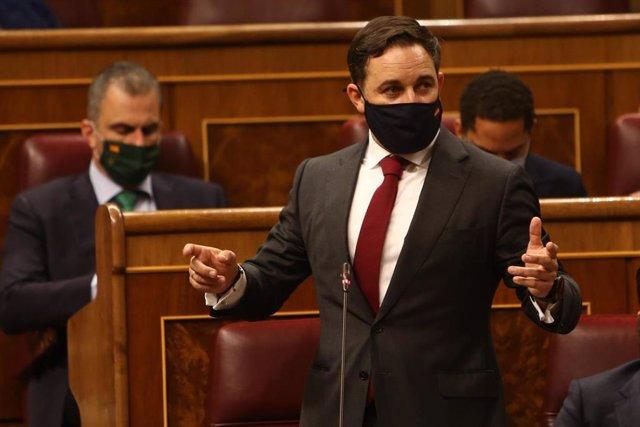 El presidente de Vox, Santiago Abascal, interviene en el pleno en el que se debate la moción de censura planteada por Vox.