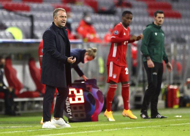 """Fútbol/Champions.- Flick: """"Müller hace de entrenador en el campo"""""""