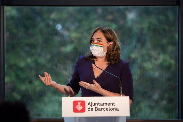L'alcaldessa de Barcelona, Ada Colau, durant la roda de premsa presencial i telemàtica. Barcelona, Catalunya, (Espanya), 18 de setembre del 2020.
