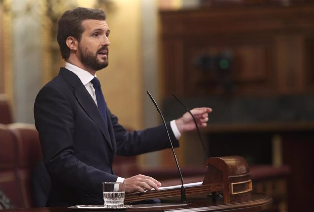 El presidente del PP, Pablo Casado, interviene durante la segunda sesión del pleno en el que se debate la moción de censura planteada por Vox.