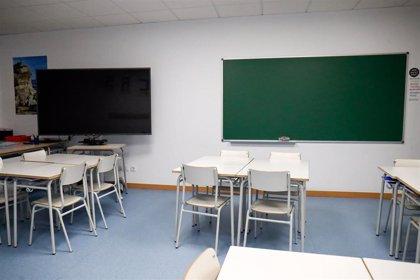 CEAPA denuncia masificación en las aulas, infraestructuras inadecuadas y falta de recursos en el inicio del curso