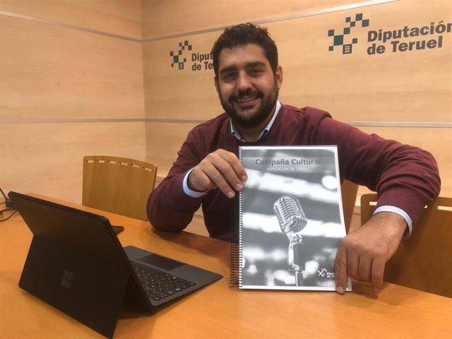 El diputado de Cultura, Diego Piñeiro, ha presentado el Catálogo Cutural de la Diputación de Teruel