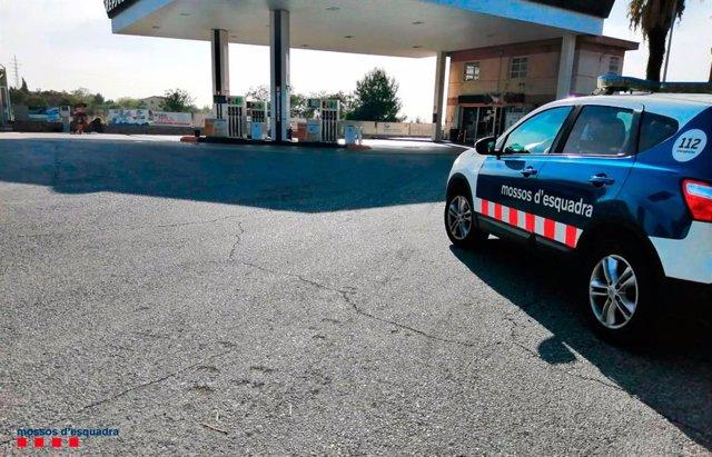 Detingut per robar amb un ganivet en una benzinera de Valls