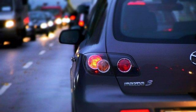 Atasco, contaminación, tráfico, coches