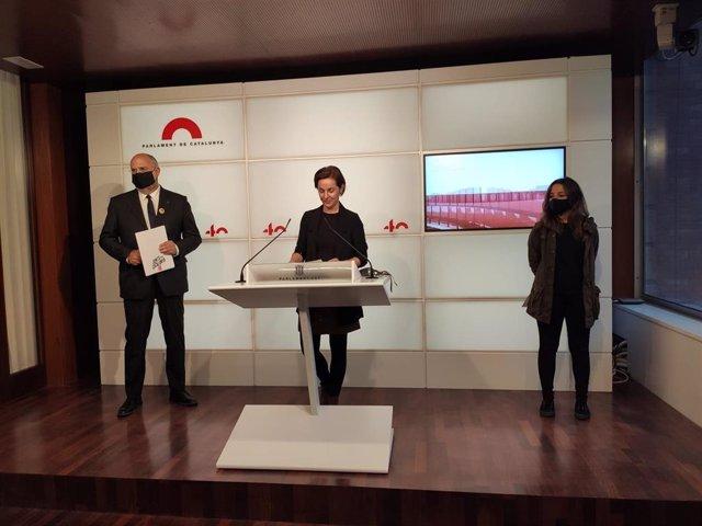 El portavoz de JxCat en el Parlament, Eduard Pujol, la de ERC, Anna Caula, y la diputada de la CUP Maria Sirvent.