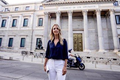 """Álvarez de Toledo apoya el """"no"""" de Casado en la moción de censura de Vox pese a defender la abstención"""