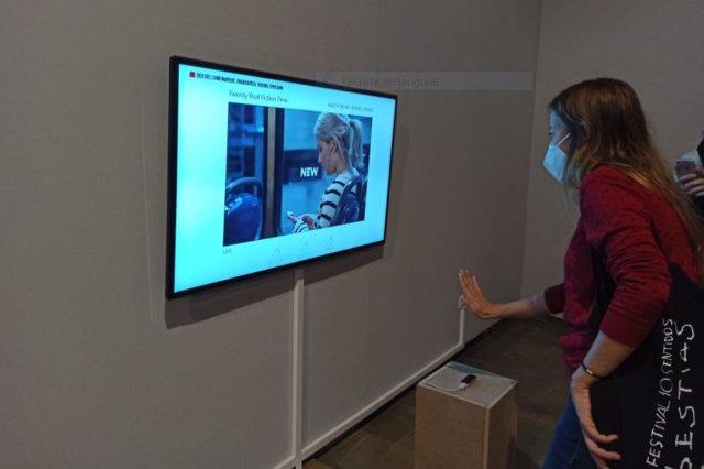 La exposición de 'Cultura online' a través de sensores de movimiento en el Centre del Carme