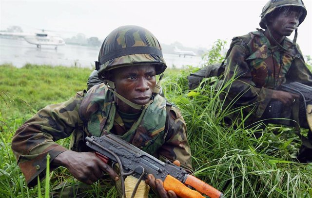 Soldados del Ejército de Nigeria parte de la fuerza de paz de la ONU en Liberia en 2003